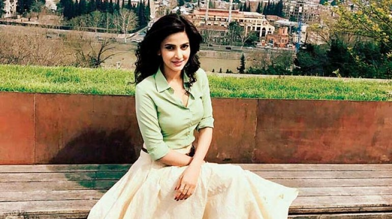 Saba Qamar Might Sign Another Bollywood Movie