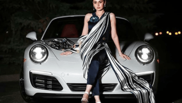 See Hania Aamir Looks Stunning in Monochrome Saree Pants