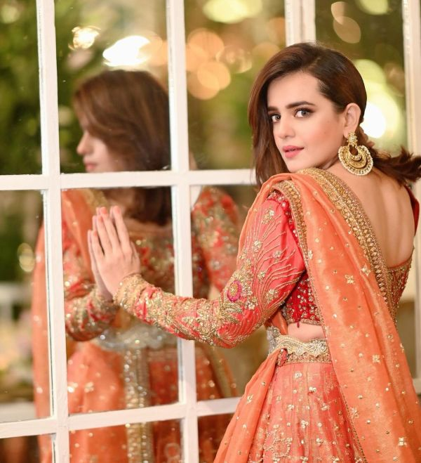 Sumbul Iqbal Stunning In Pakistani Bridal Dress
