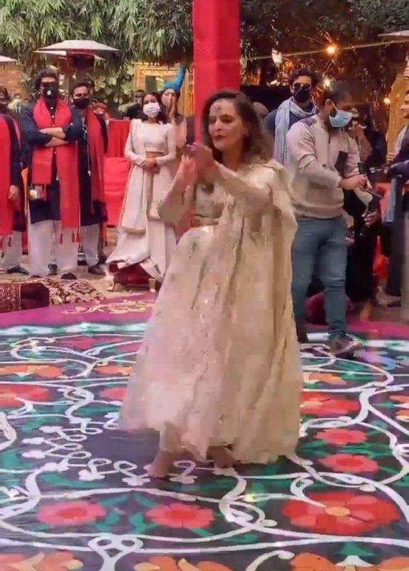 Hina Khawaja Dance On Her Daughter Wedding Event