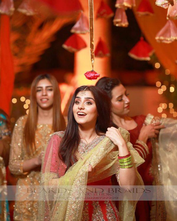 Aima Baig Cracking Look Her Sister Wedding Day