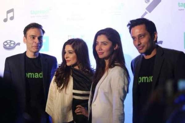 Mahira Khan confesses she is in love with Salim Karim
