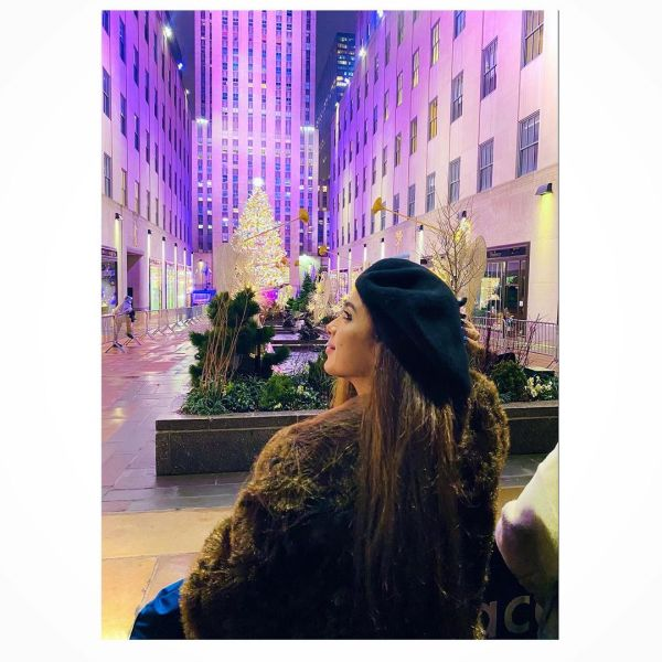 Sonya Hussyn Shares Photo Depicting Her Hanging Out In USA