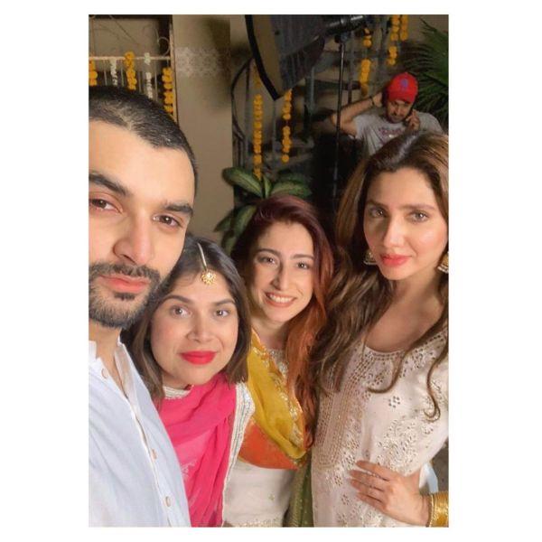 Mahira Khan Heartfelt Picture with Marina Khan