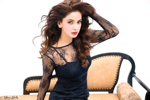 Saba Qamar Lovely Sun Kissed Pictures