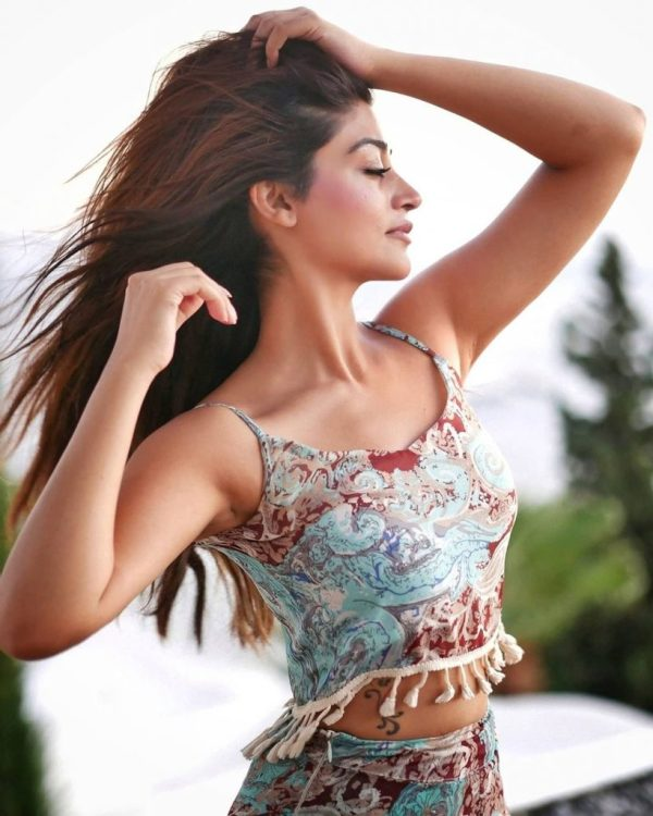 Unseen Sizzling Pictures Of Zoya Nasir