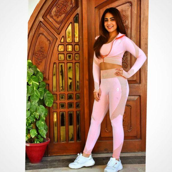 Actress Ushna Shah Give Us Major Beauty Standards