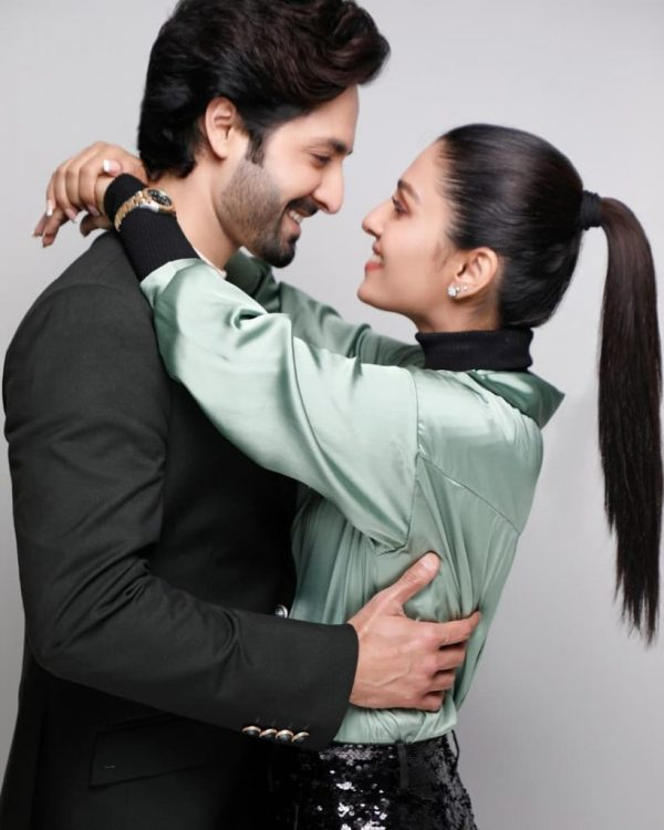 Ayeza khan look dazzling in her latest shoot with Danish taimoor