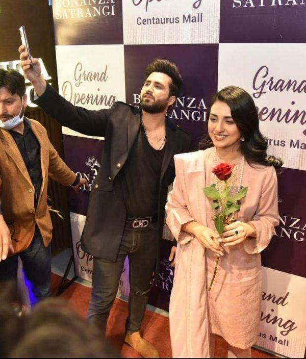 Sarah Khan with Falak Shabir spotted in Isb at Bonanza Satrangi