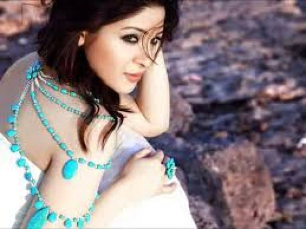 Ayesha Omar Talks About Being Bold