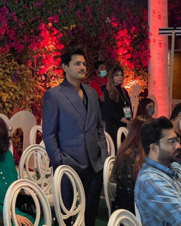Pakistani Celebrities Spotted at FPW 2021