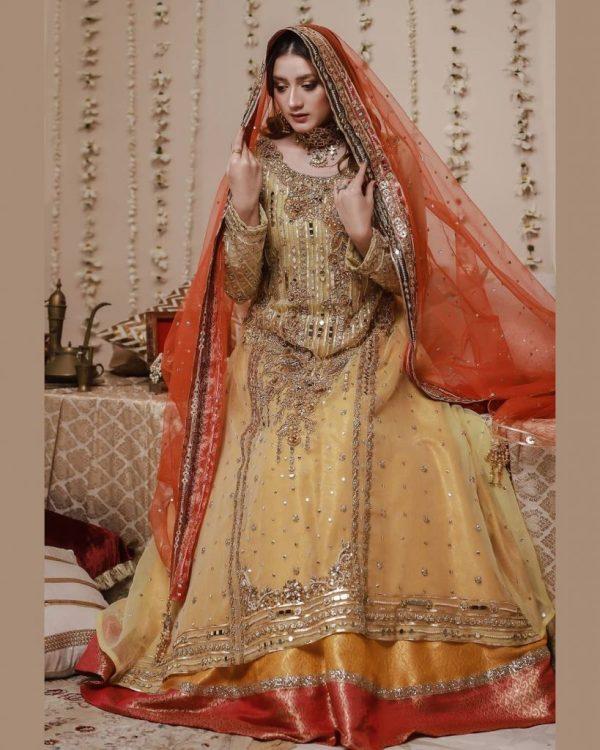 Hot Photoshoot Of Momina Iqbal