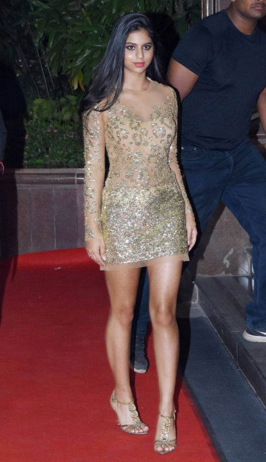 Suhana Looked Too Hot To Handle In Short Dresses