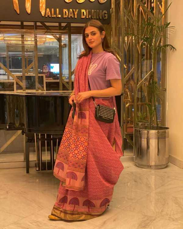 Hira Mani Is a Trendsetter In Her T-Shirt and Sari Look