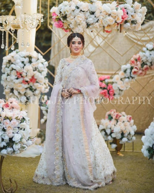 Kanwal Aftab Pulling Off Traditional Look Like a Pro