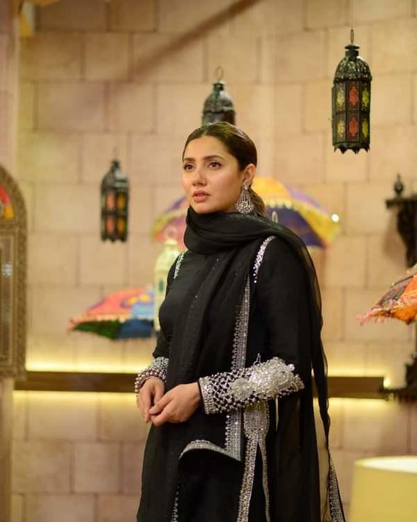 Mahira Khan New Photos Are A Treat To Sore Eyes