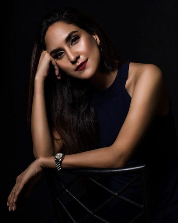 Anoushay Abbasi Bold photoshoot Rocks a Summer