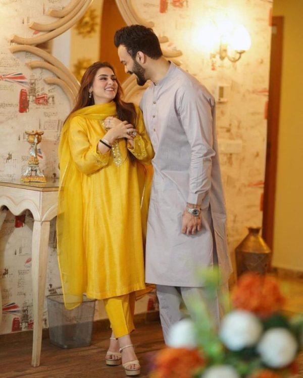 Aima Baig Sister Komal Baig Shares Snaps with Husband