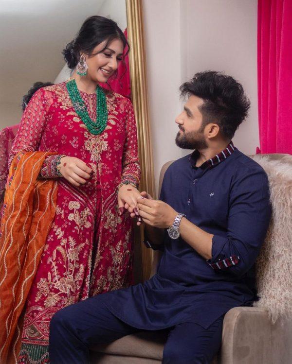 Sarah Khan And Falak Shabir Romantic Beautiful Pictures