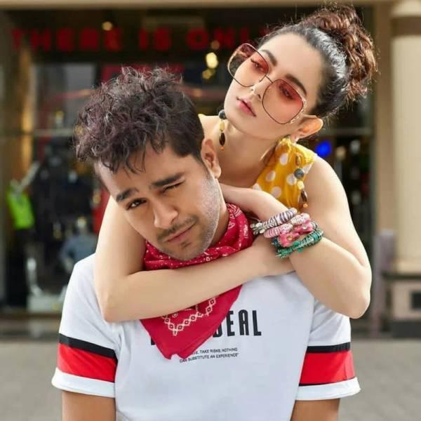 Ayeza Khan Gave Advice For Hania Aamir And Asim Azhar