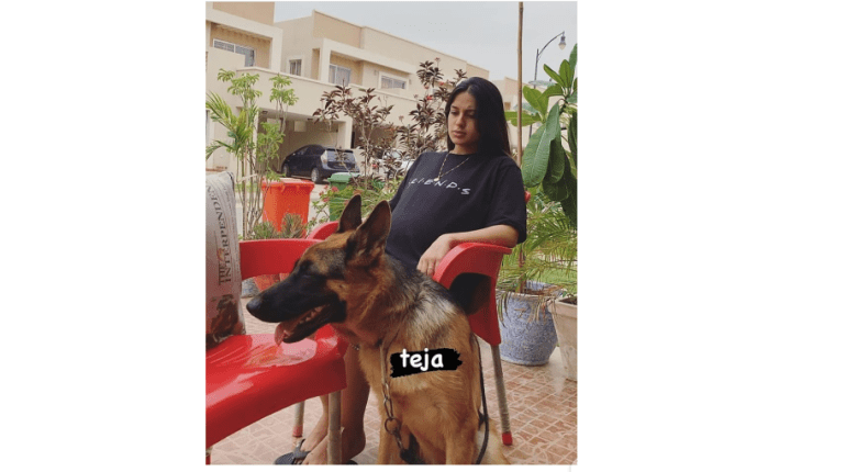 Mommy To Be Iqra Aziz Shows Her Baby Bump In Recent Click