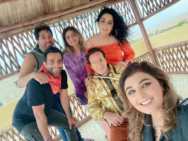 Meera Shared Pictures Gettogether With Her Close Friends