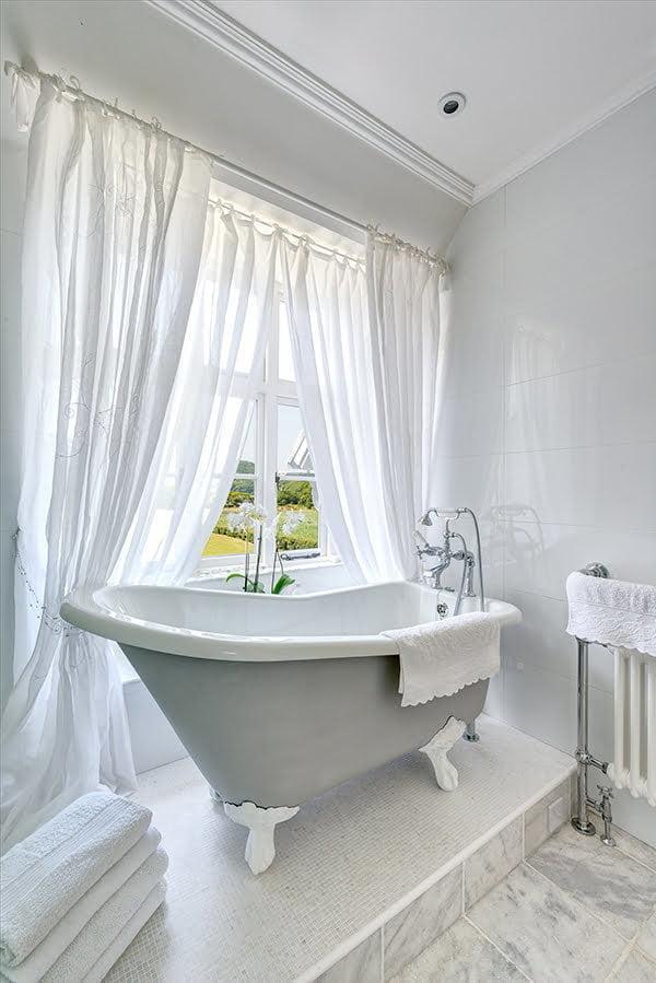 15 creative bathroom curtain ideas for bathrooms with windows