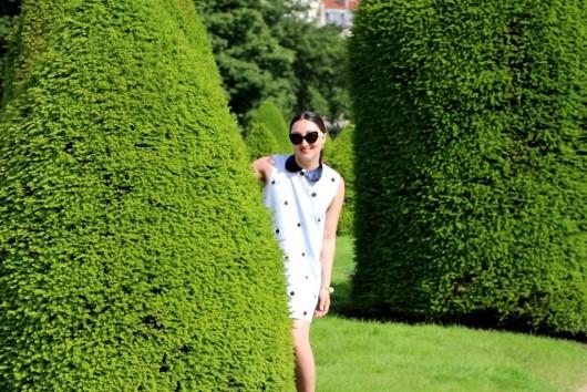 zara-eye-dress-paris-4