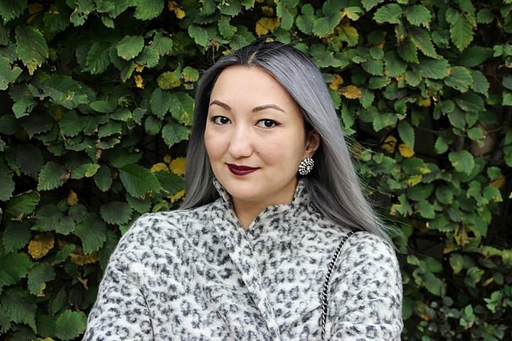 silver-hair-grey-coat-13