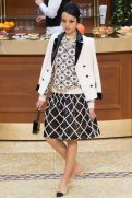chanel-fall-2015-brasserie-collection-10