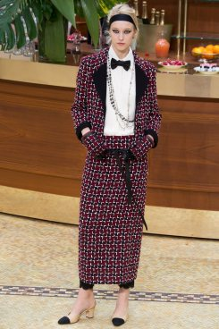 chanel-fall-2015-brasserie-collection-14