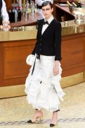 chanel-fall-2015-brasserie-collection-2