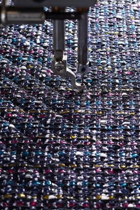 chanel-making-of-the-iconic-handbag-tweed-01