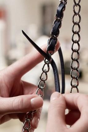 chanel-making-of-the-iconic-handbag-tweed-04