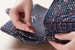 chanel-making-of-the-iconic-handbag-tweed-opening-picture-chanel-factory