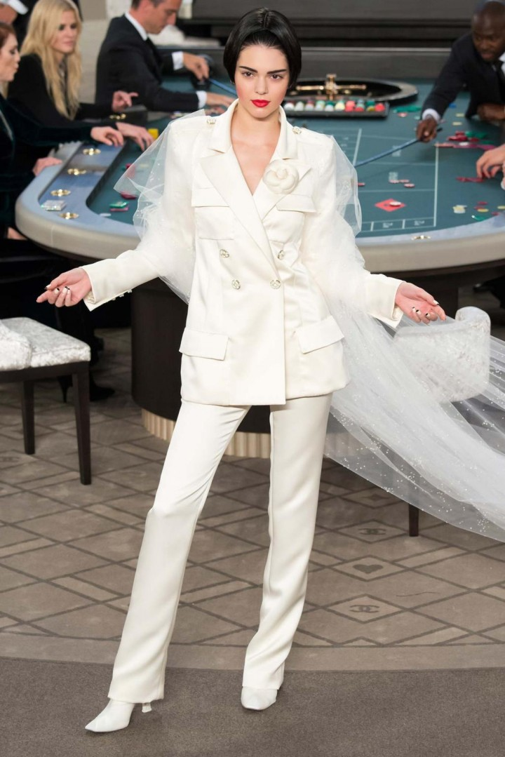 chanel-haute-couture-fall-2015-casino-chanel-14
