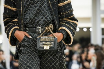 chanel-fall-2016-bags-18