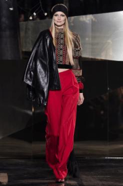 hm-studio-aw-fall-2016-paris-fashion-week (34)