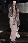 hm-studio-aw-fall-2016-paris-fashion-week (4)