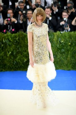 Met-Gala-2017-Anna-Wintour-CHANEL