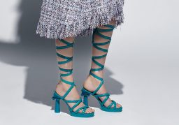 chanel-cruise-2017-18-show-alix-marnat-spartan-heels-column-greece2