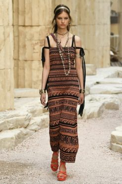 chanel-greece-cruise-resort-2018-2
