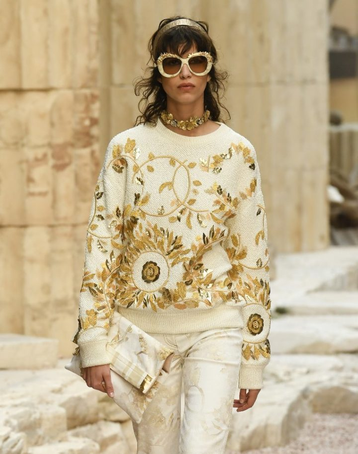CHANEL Resort 2018 Collection - Modernity of Antiquity ...
