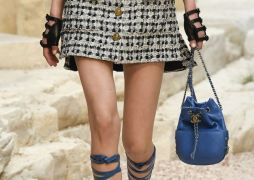chanel-resort-2018-greece-bags-4