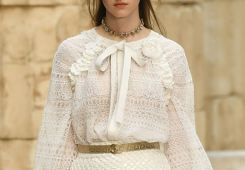 chanel-resort-2018-greece-gold-belt