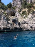 boating-in-capri-what-to-wear-13