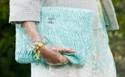 Chanel-Spring-Summer-2018-Collection-clutch-2