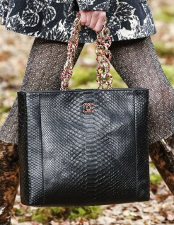 chanel-fall-winter-2018-collection-tote-6