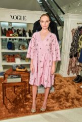 Holt-Renfrew-VOGUE-pop-up-Kate Bosworth (2)