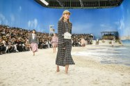 chanel-spring-2019-by-the-sea-beach2